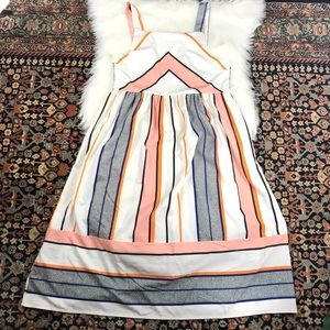 Dresses & Skirts - Cute Apron Style Sundress